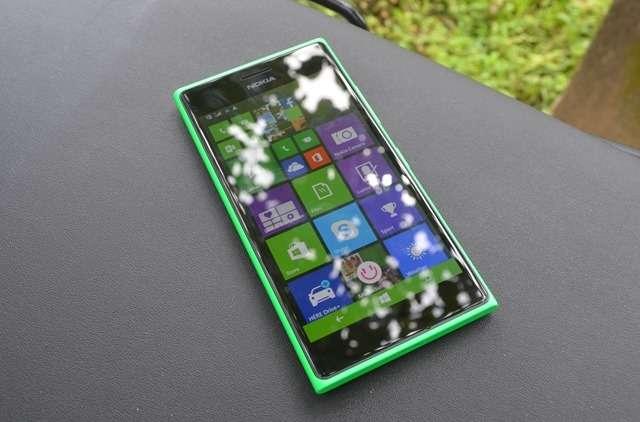 Thay mới mặt kính Nokia Lumia 730 tại nhà bằng phương pháp nào