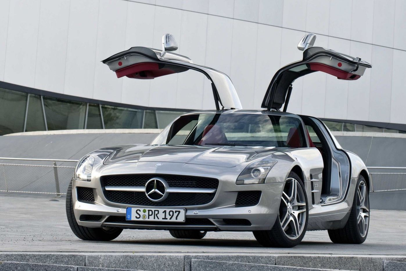 Gullwing doors are actually hinged at the roof and opening upwards. Inspired from seagull(bird)wingsthis exotic design not only contributes to a more ... & Different Car Door Types You Need To Know - Car Talk - Nigeria pezcame.com