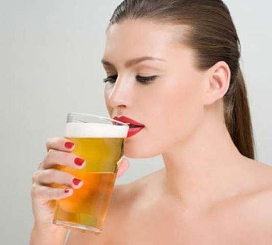 Một số mẹo làm trắng da nhờ bia