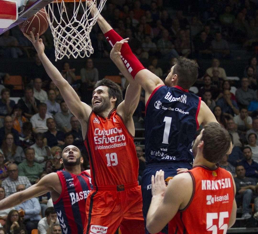Pessima prestazione di Andrea Bargnani a Valencia (Foto: ACB Photo/M.Á. Polo)