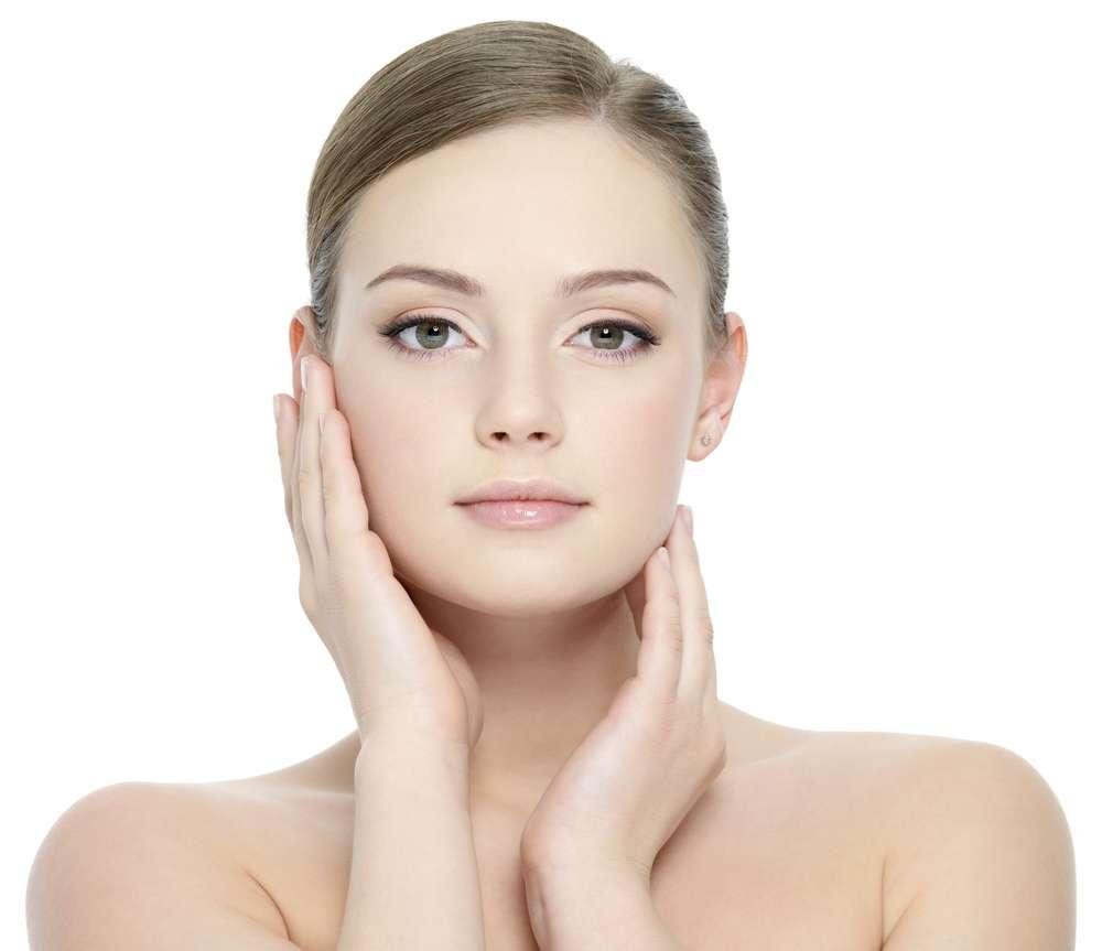 Cách chăm sóc da mặt bị lão hóa tại nhà an toàn