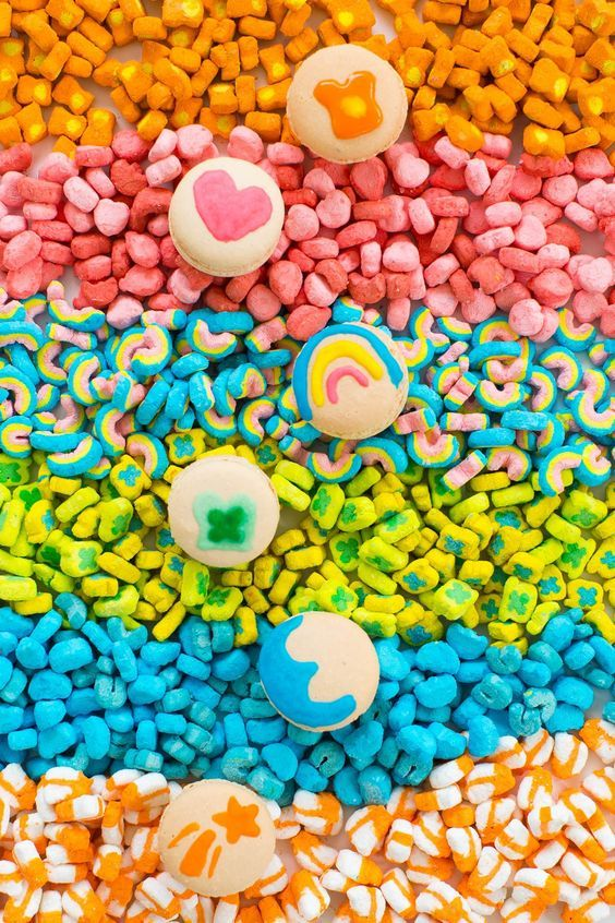 DIY Lucky Charms Macarons by Sugar & Cloth via Things I Love Thursday on KaelahBee.com