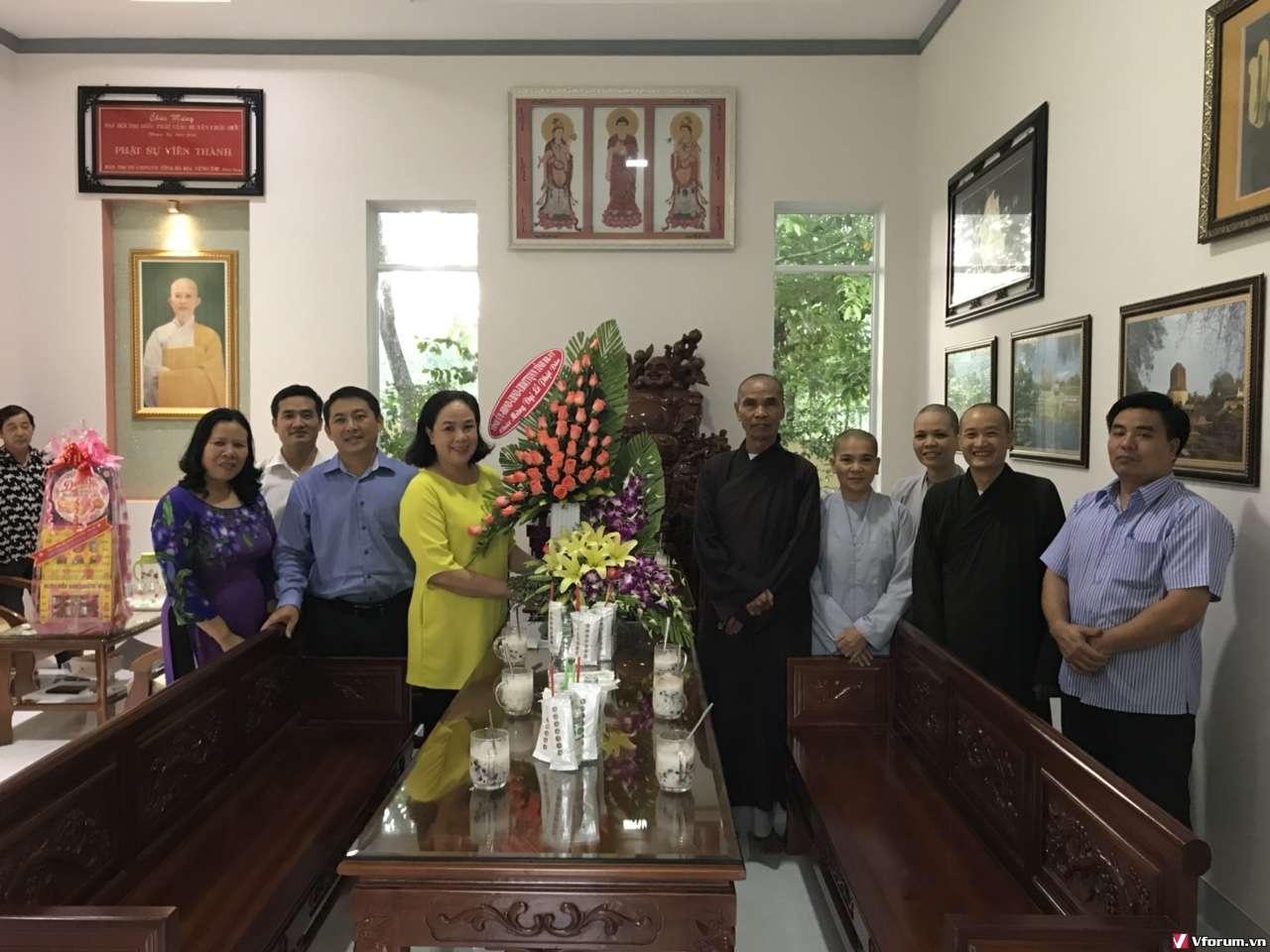 Ban Tôn giáo tỉnh đến thăm Và chúc mừng Đại Lễ Phật đản PL. 2562- DL. 2018