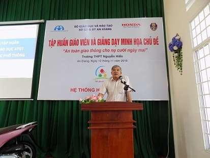 Ông Lê Việt Cường - phát biểu tại buổi tập huấn do hệ thống HEAD Angimex tổ chức