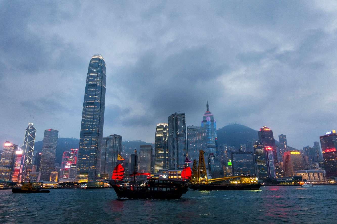 Victoria Harbour Hong Kong, Aqua Luna