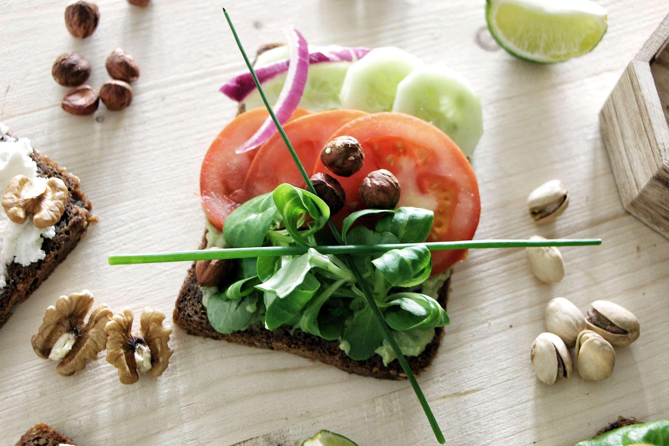 brunch-des-tartines-salees-pour-le-brunch-tartines-salees-food-recettes-brunch-the-green-ananas-