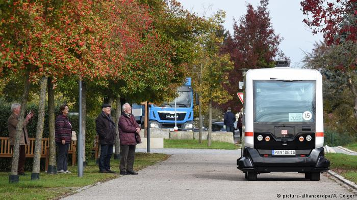 Germany's First-Ever Driverless Bus Hits The Roads In Bavaria (Pics/Video)