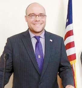 Kiwanis/Senior Citizens' Hear About Veterans' Program