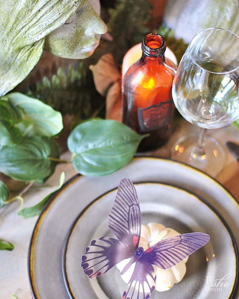 Haunted dining table plate