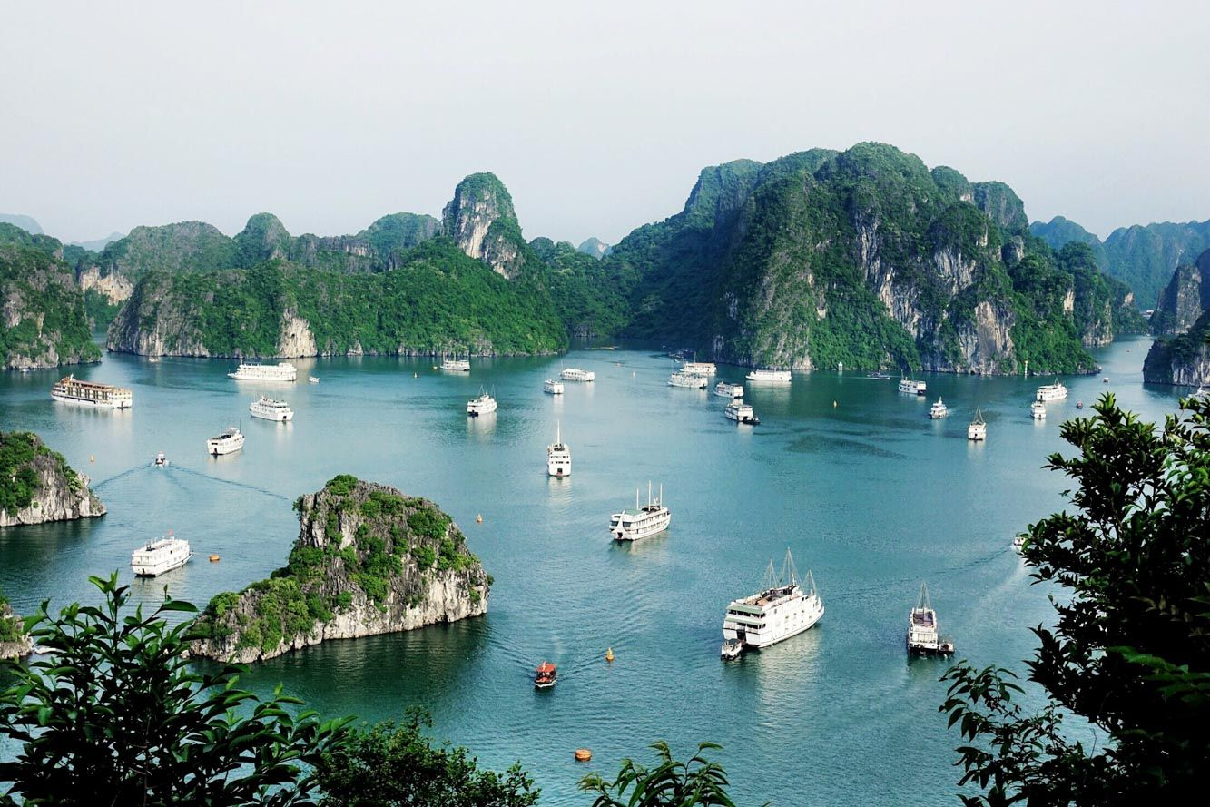 Contiki Vietnam Experience, Halong Bay