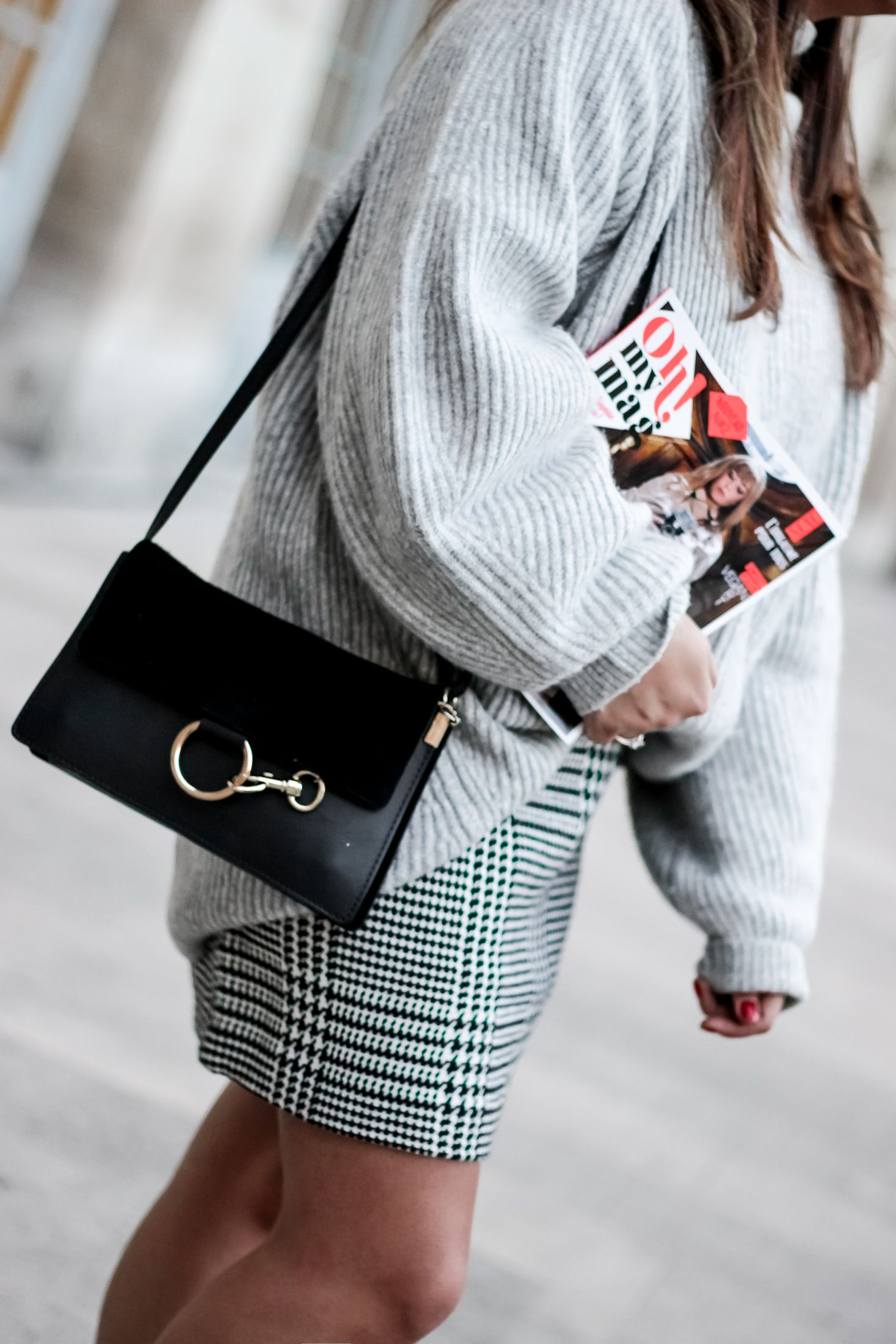 as you like, oh my mag, magazine feminin, vogue, the green ananas, blog mode, blogueuse mode, h&m, flowers box, grace flowers, hm, pull loose, jupe prince de galles, vogue