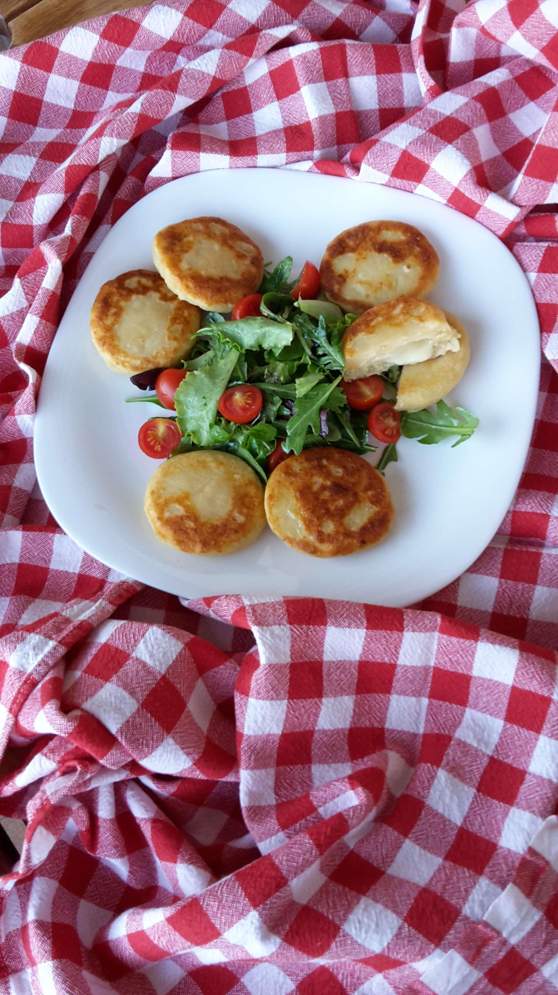Schiacciatine patate e provola