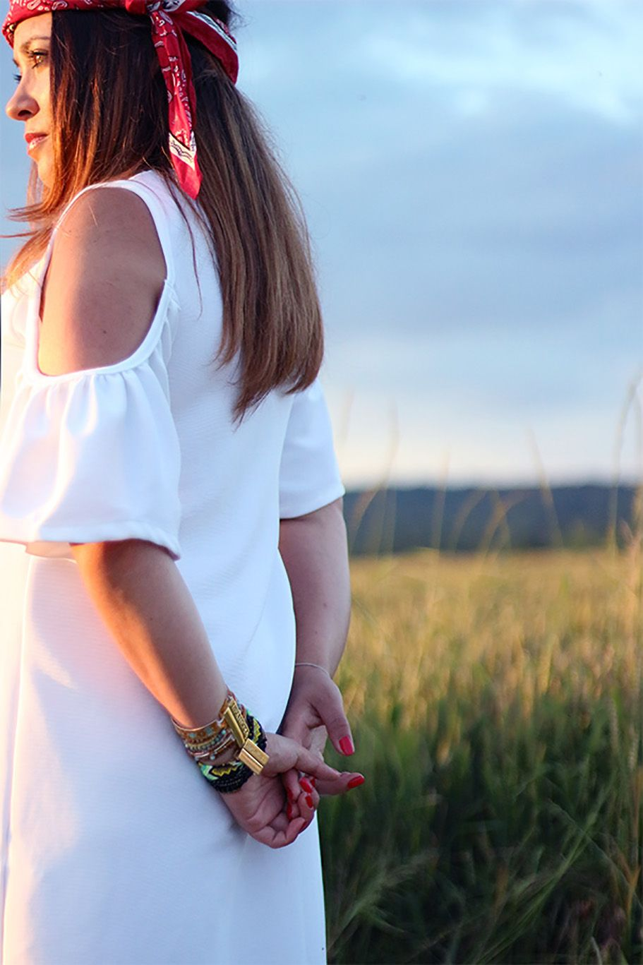 robe blanche, robe zara, col bardot, bandana, hipanema, pull and bear, sandales compensées, blog mode, blogueuse mode, fashion blogger