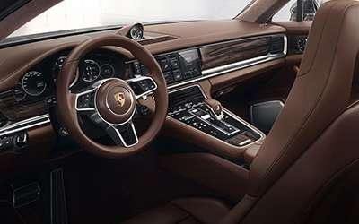 2018 Porsche Panamera Sport Turismo Interior