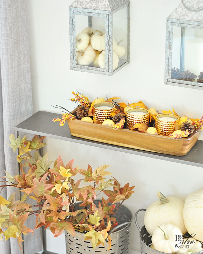 Fall entryway in gold colors