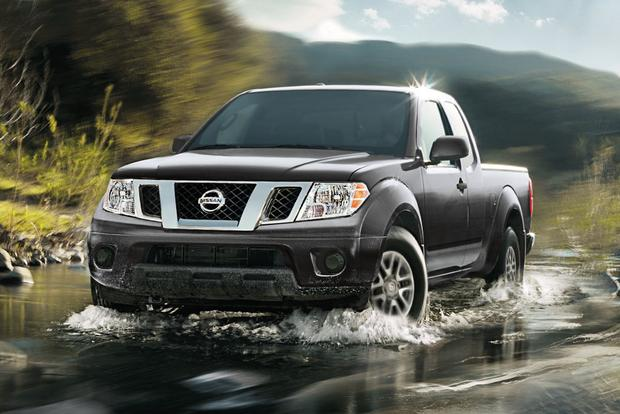 Nissan Frontier vs Toyota Tacoma Comparison | Nissan of ...