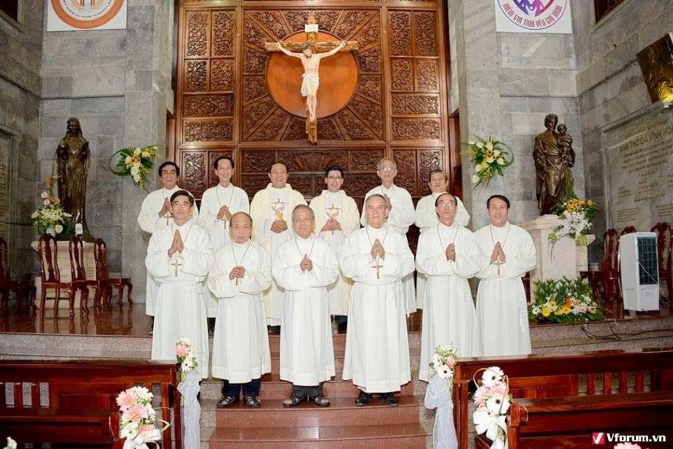 Giáo xứ Vĩnh Hoà: Mừng bổn mạng Thừa tác viên Thánh Thể