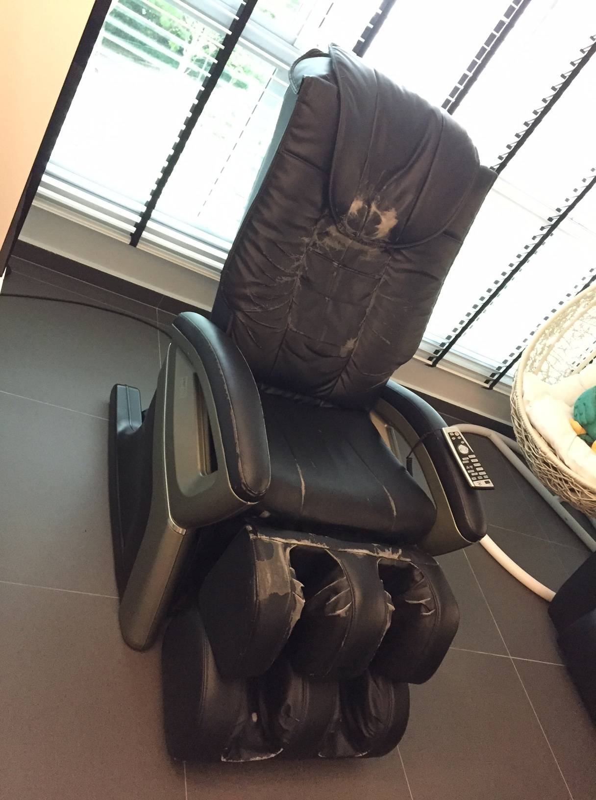 WTS used OGAWA massage chair