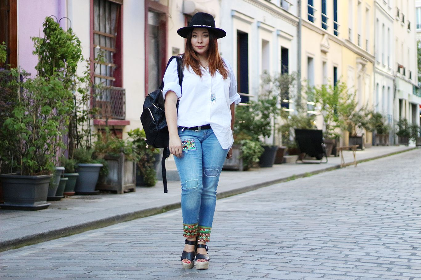 desigual, rue cremieux, colorful look, jean desigual, chemise zara, zara, jennyfer, sac desigual, sac à dos femme, chaussures pull and bear, asos, chapeau asos, panama, blogueuse mode, blogger