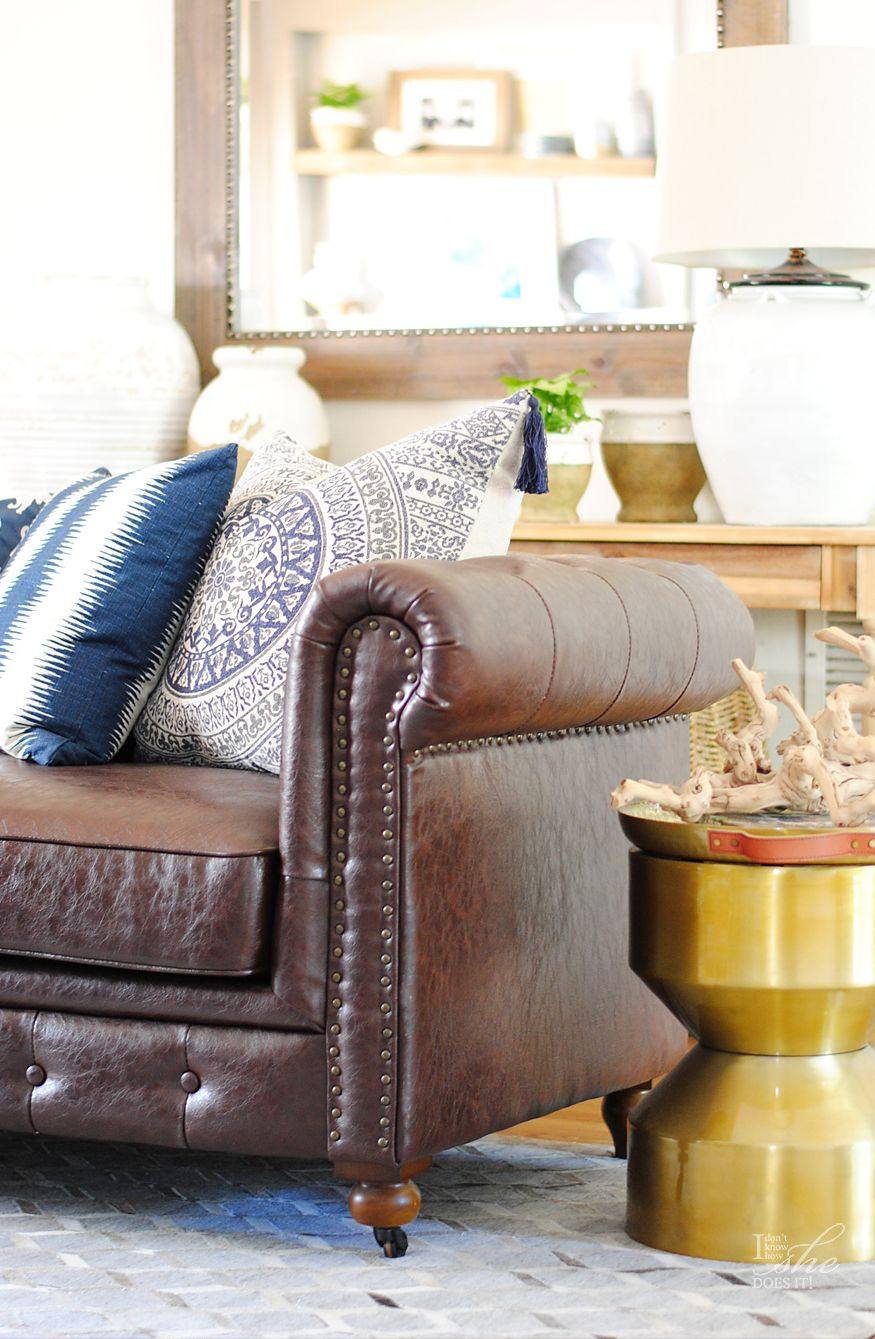 Navy living room ideas for spring