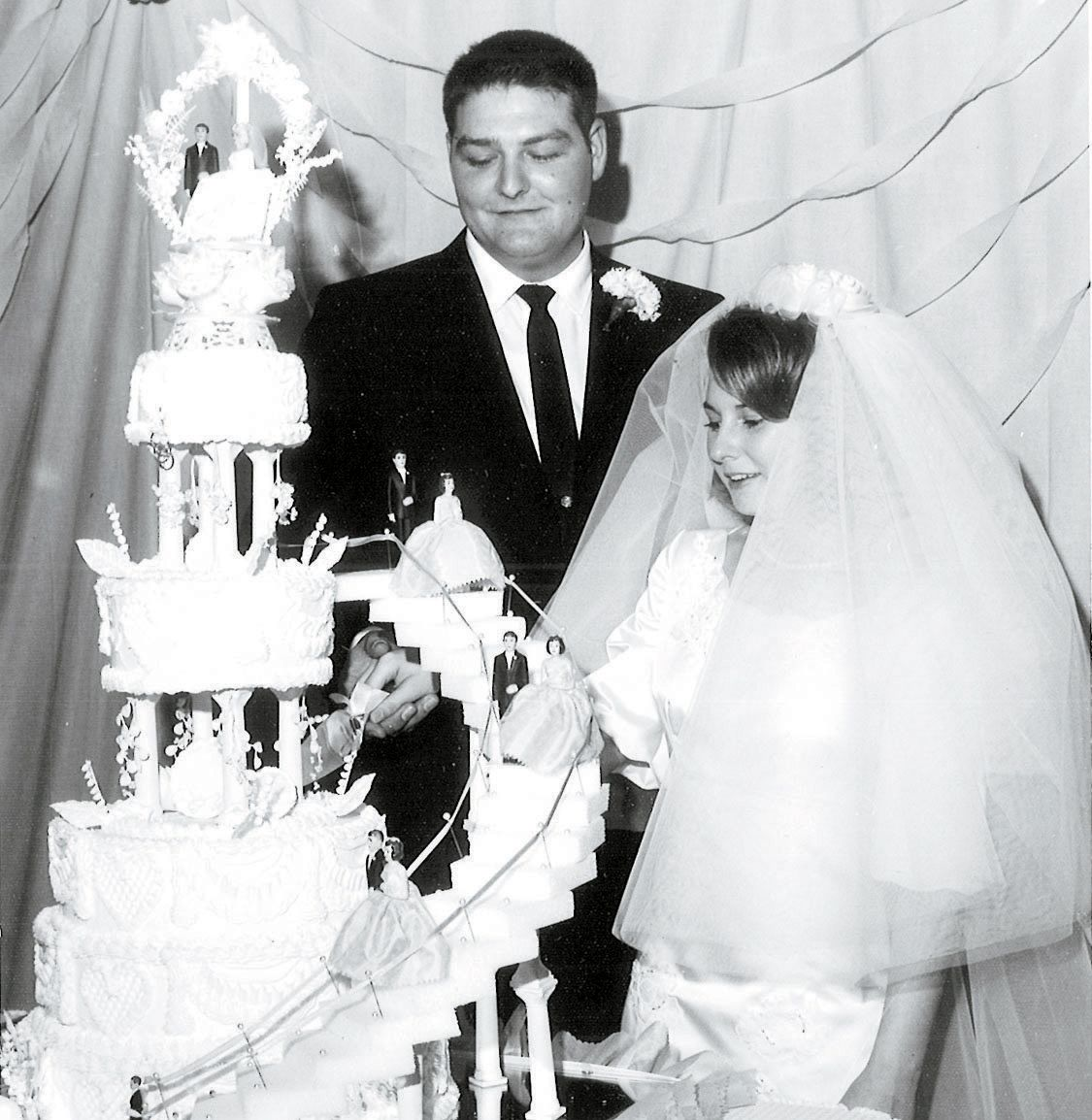 Eakins Celebrate 50th Wedding Anniversary