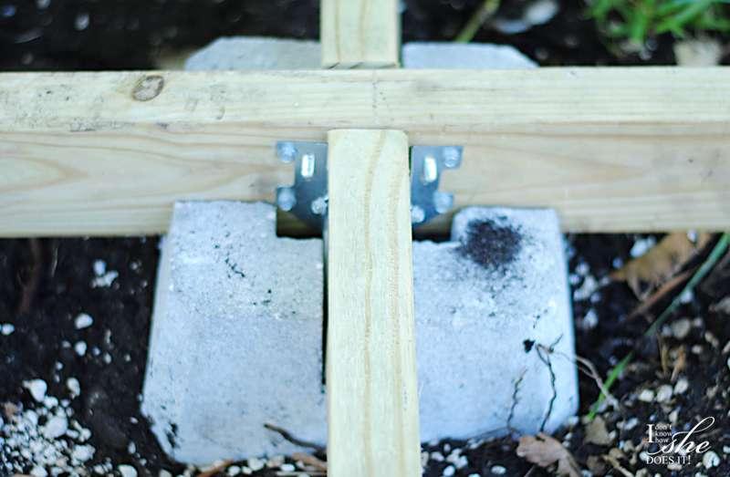 Concrete deck blocks for floating deck