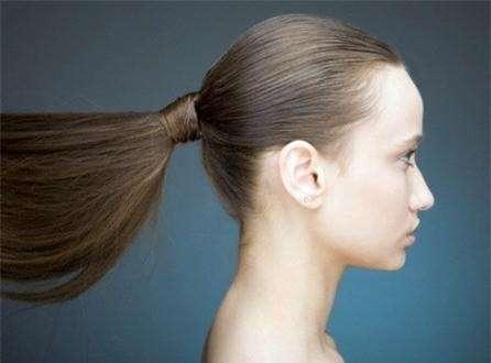 Đi tìm những thói quen xấu khiến tóc nhanh gãy rụng