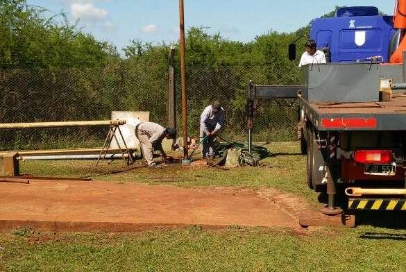 Nueva bomba de agua potable - San José Misiones