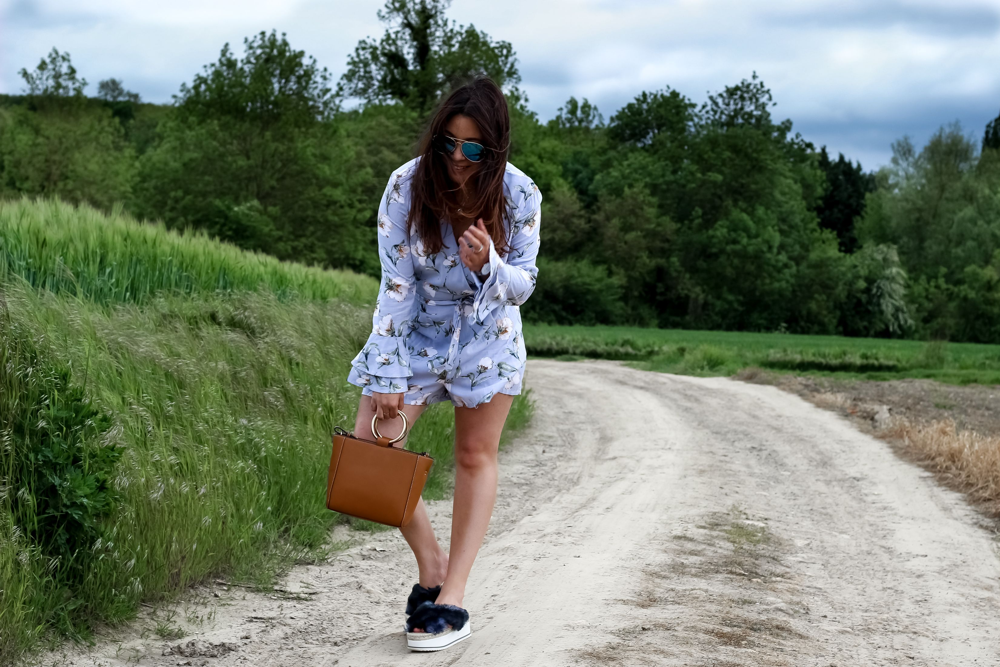 the green ananas, blog mode, blogueuse mode, combi short, primark, hm, lunettes oversize, aviator oversize, zara, chaussures compensées, mango, sac mango