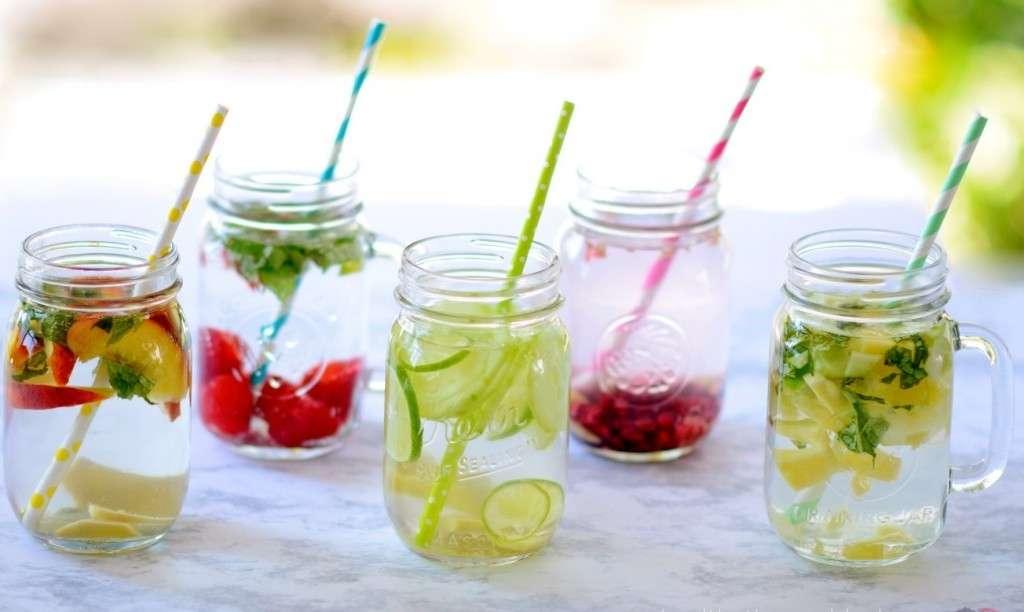 Chia sẻ cách làm nước detox bạn nên biết