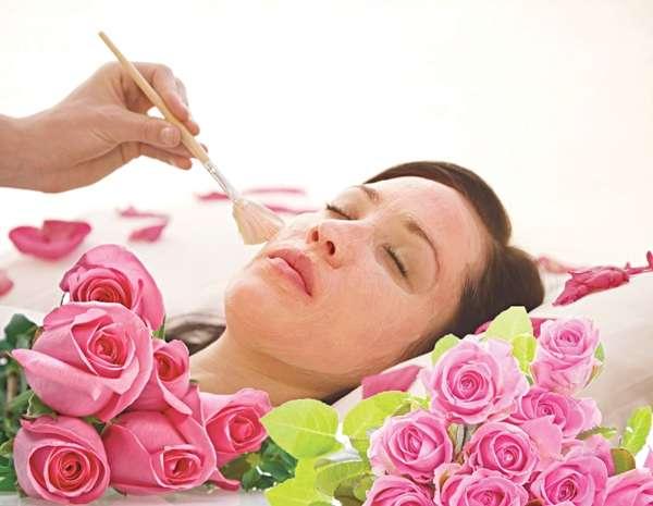 Những cách sáng da với hoa hồng