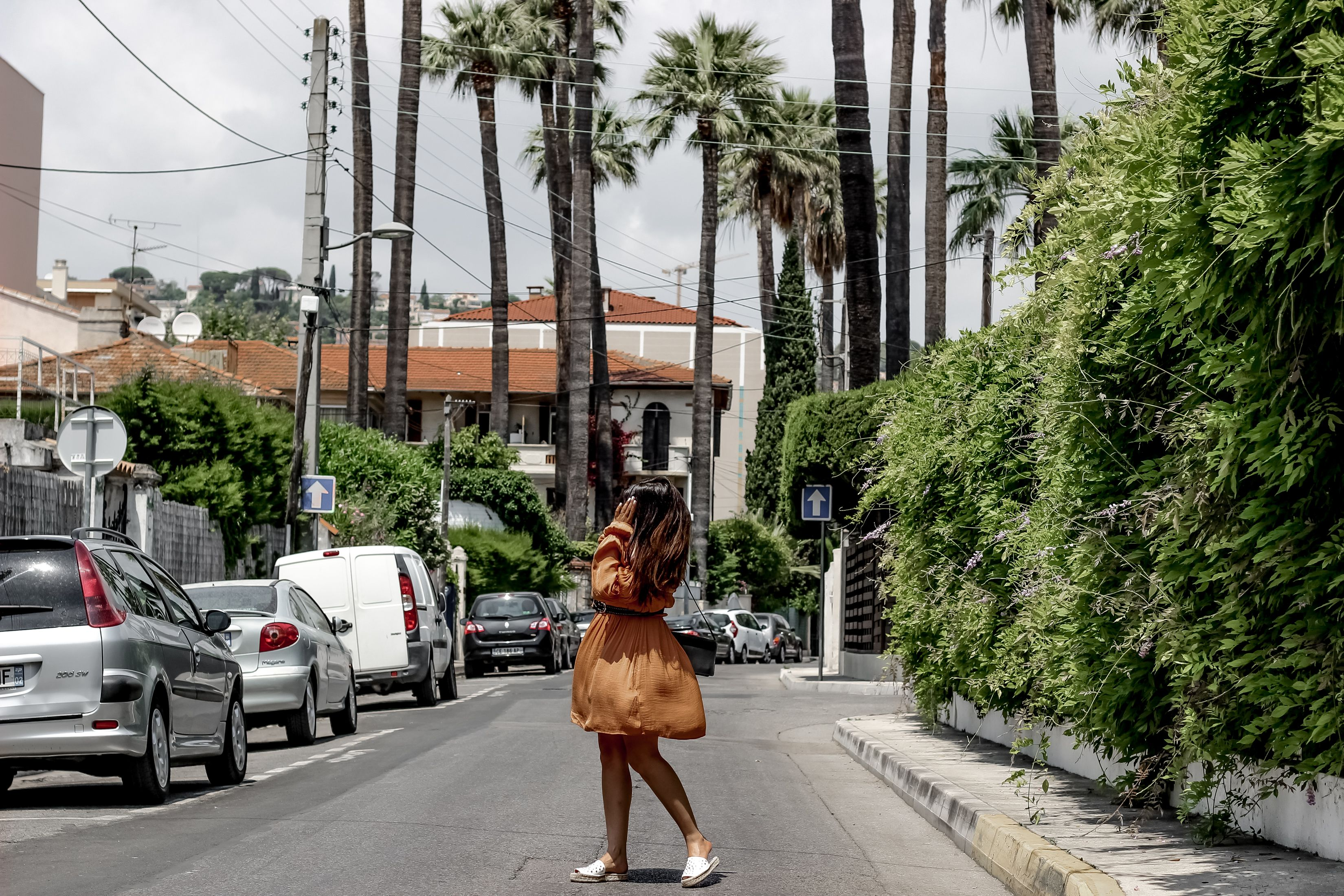 robe orange, robe boho, forever21, blog mode, the green ananas, fashion blogger, french blogger, blogueuse mode, pull and bear, ceinture clous, espadrille clous, juan les pins, palmtrees