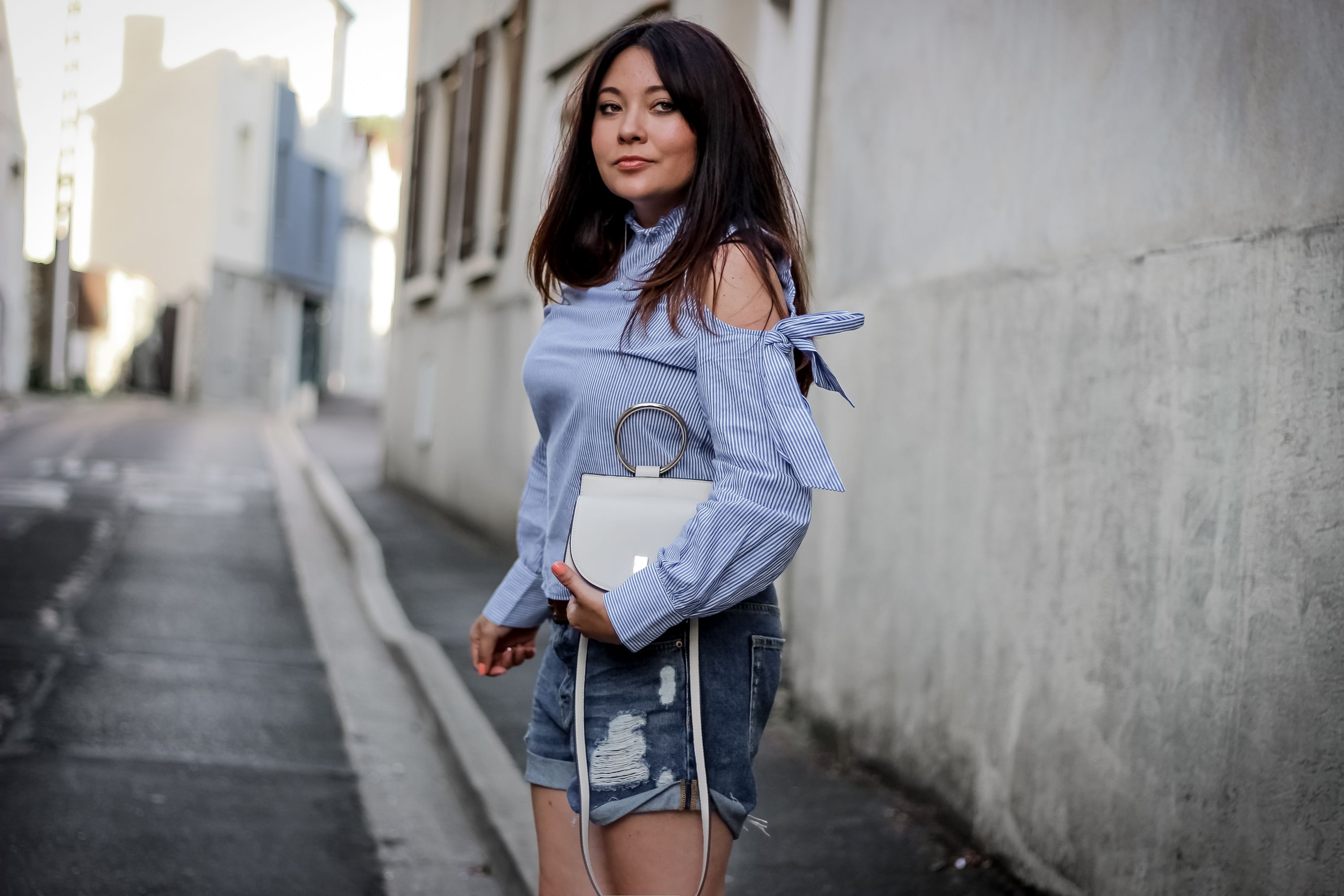 espadrille femme, espadrilles boucles, forever 21, shein, blouse volants, short jean femme, short jean destroy, blog mode, blogueuse mode, the green ananas, mango, h&m, crush