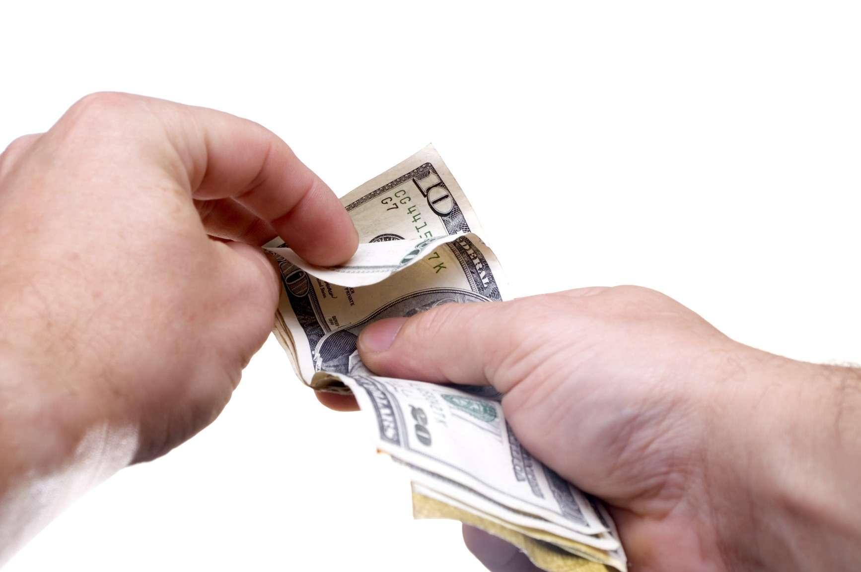Mẹ đơn thân cần rất nhiều tiền để chi trả rất nhiều thứ