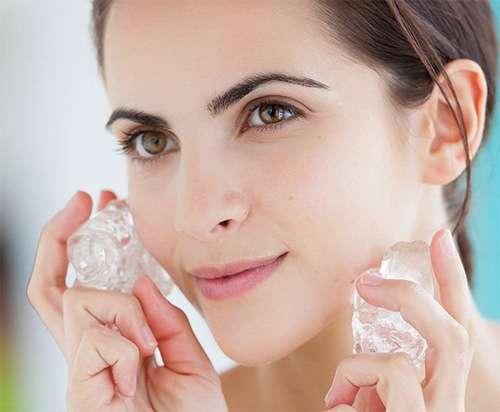 Bật mí lợi ích làm đẹp của đá lạnh bạn nên biết