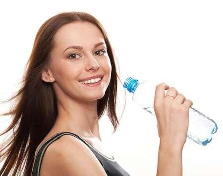 Khám phá uống nước dưỡng da từ người Nhật