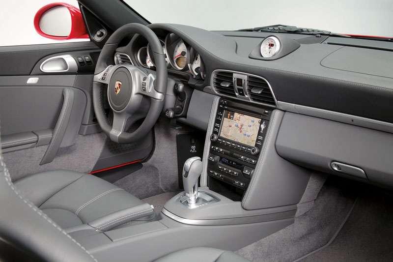 Wnętrze Carrera 4