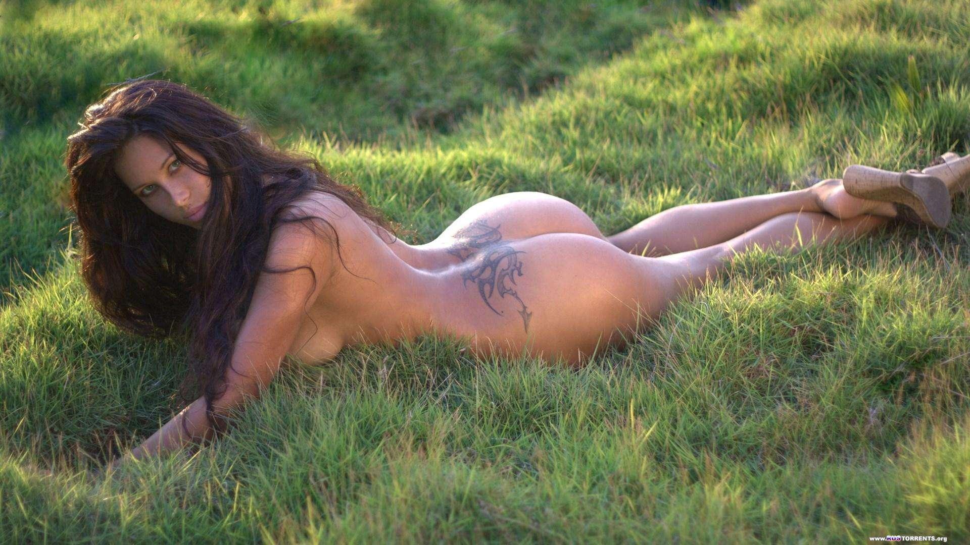 Эротика в траве 12 фотография