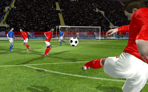 First Touch Soccer 2015 v2.09 Sınırsız Para Hileli  Apk İndir