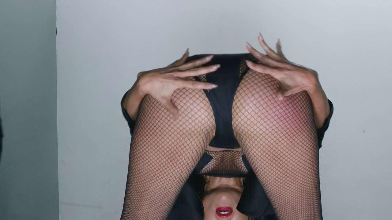 Jennifer Lopez ft. Iggy Azalea - Booty | WEBRip 720p | 60fps