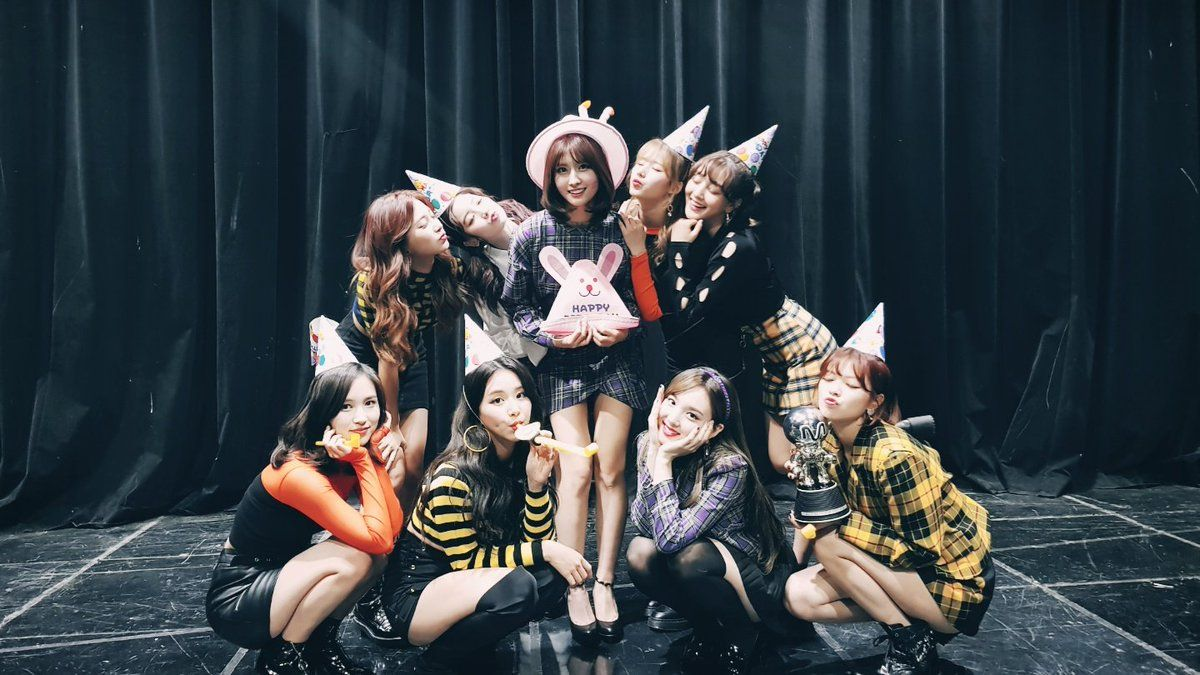 "Watch: TWICE Takes 2nd Win For ""Likey"" On ""M!Countdown,"" Performances By Super Junior, SEVENTEEN, And More"