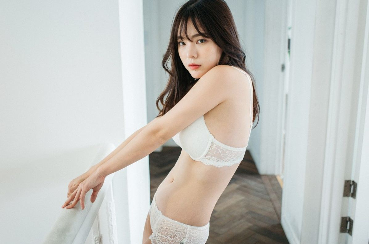 Korean girl going viral for posing in sexy swimsuits and lingerie korean girl going viral for posing in sexy swimsuits and lingerie that she designed herself voltagebd Images