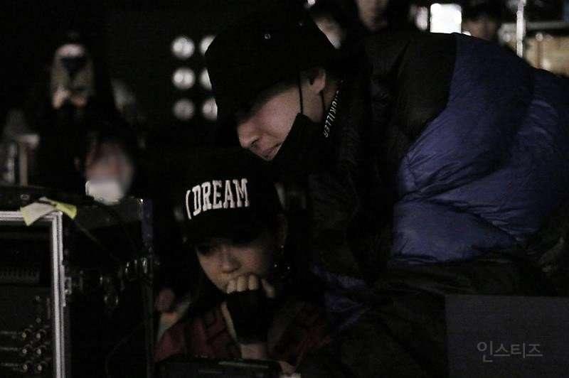 동생 데뷔했다고 우는 것 같은 아이돌.jpg (현웃ㅋㅋㅋㅋ)