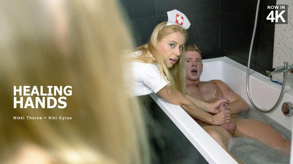 [StepMomLessons.com / Babes.com] Kiki Cyrus, Nikki Thorne (Healing Hands / 11.01.2017) |