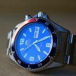 Orient Deep Pepsi CEM65006DV: blaue Spiegelung des Ziffernblatts