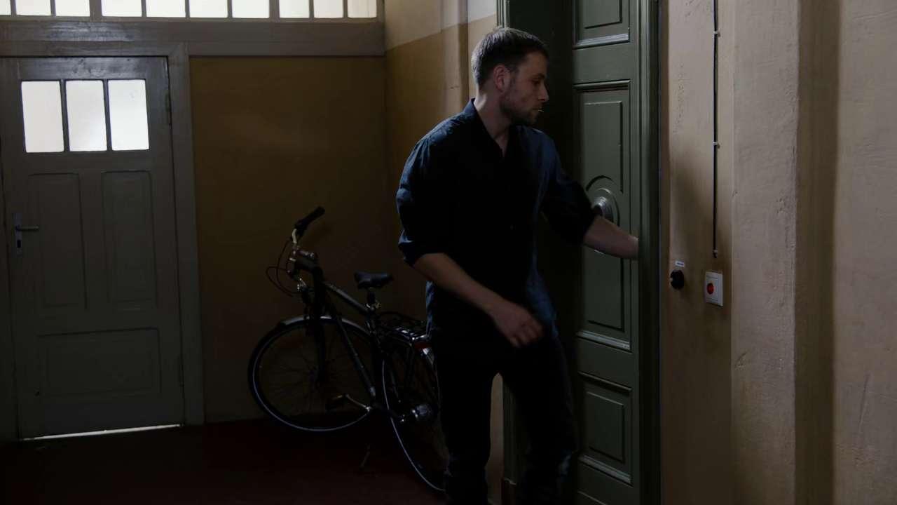 Sense8 Season 2 S02 720p NF WEBRip x265 HEVC-MZABI