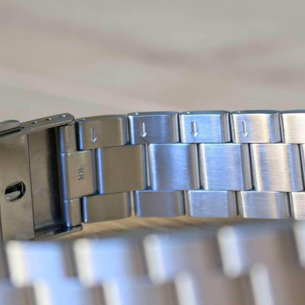 Orient Deep Pepsi CEM65006DV: Verstellmöglichkeiten des Armbands