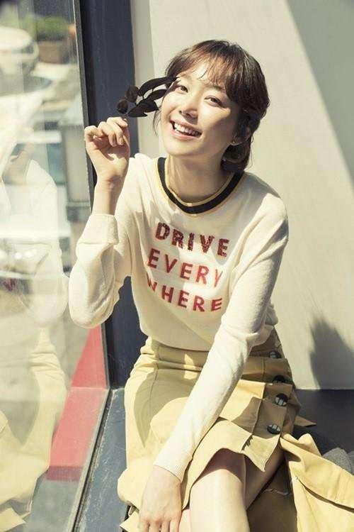 Lee Yoo Young Talks About Getting Acting Advice From Boyfriend Kim Joo Hyuk And Close Friend Kim Go Eun