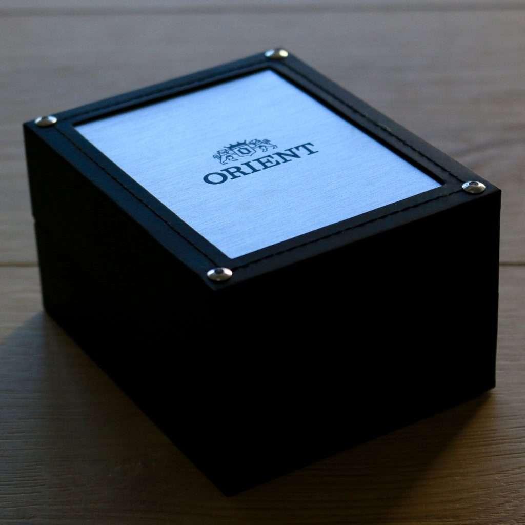 Orient Deep Pepsi CEM65006DV: Uhrenbox