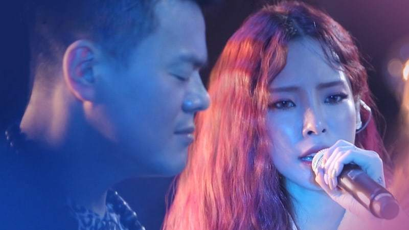 """Watch: Park Jin Young And Heize Sing About """"Regrets"""" In Lyric Video For Duet Track"""